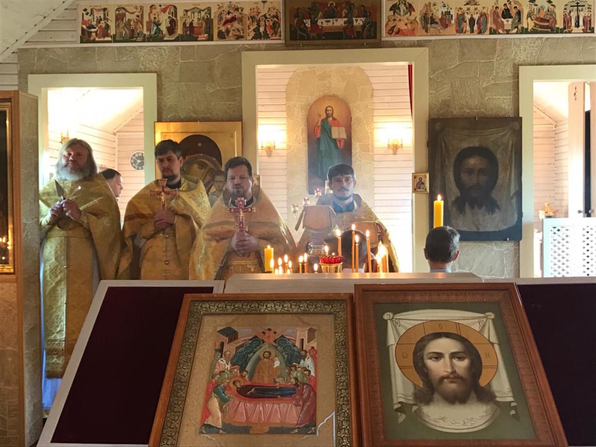 Престольный праздник в Спасском храме деревни Рудины