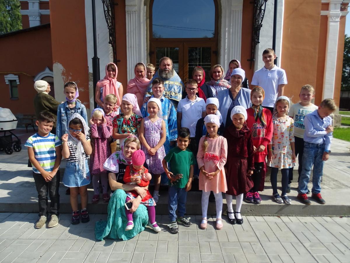 День знаний в посёлке Михнево